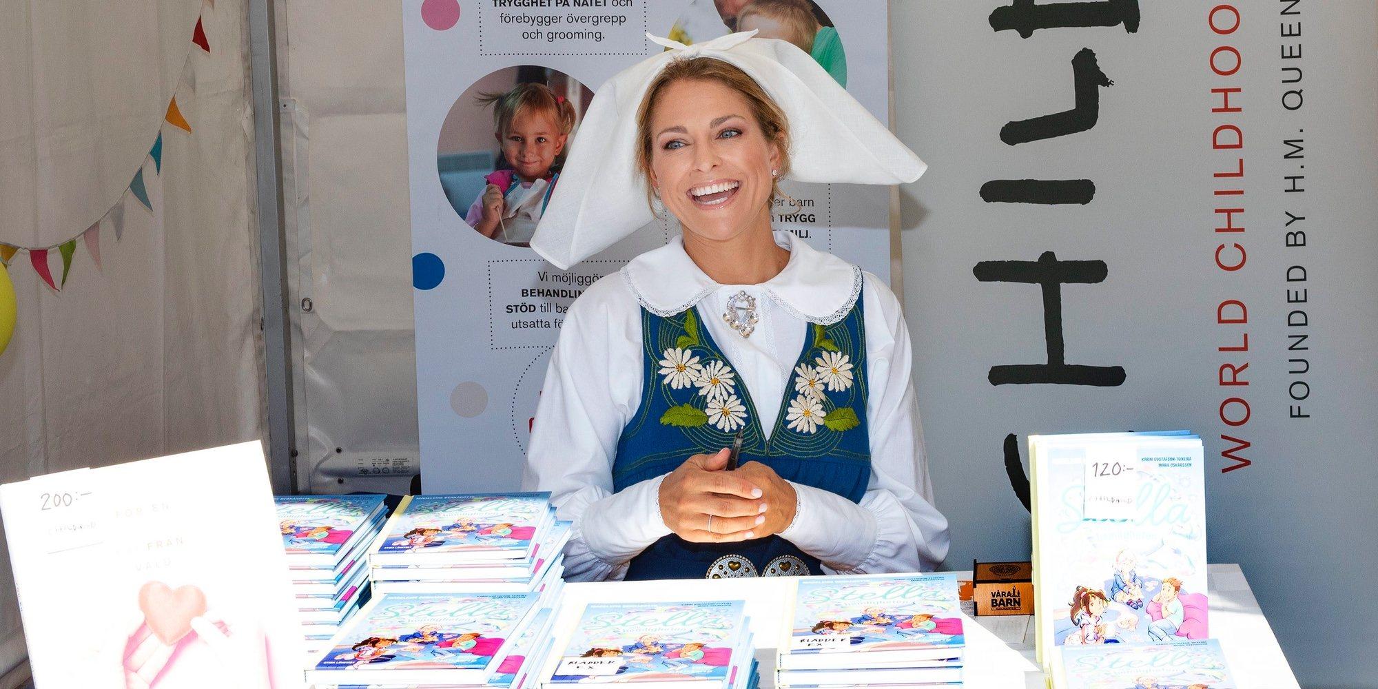 La sorpresa de Silvia de Suecia a su hija Magdalena de Suecia cuando firmaba su libro 'Stella y el secreto'
