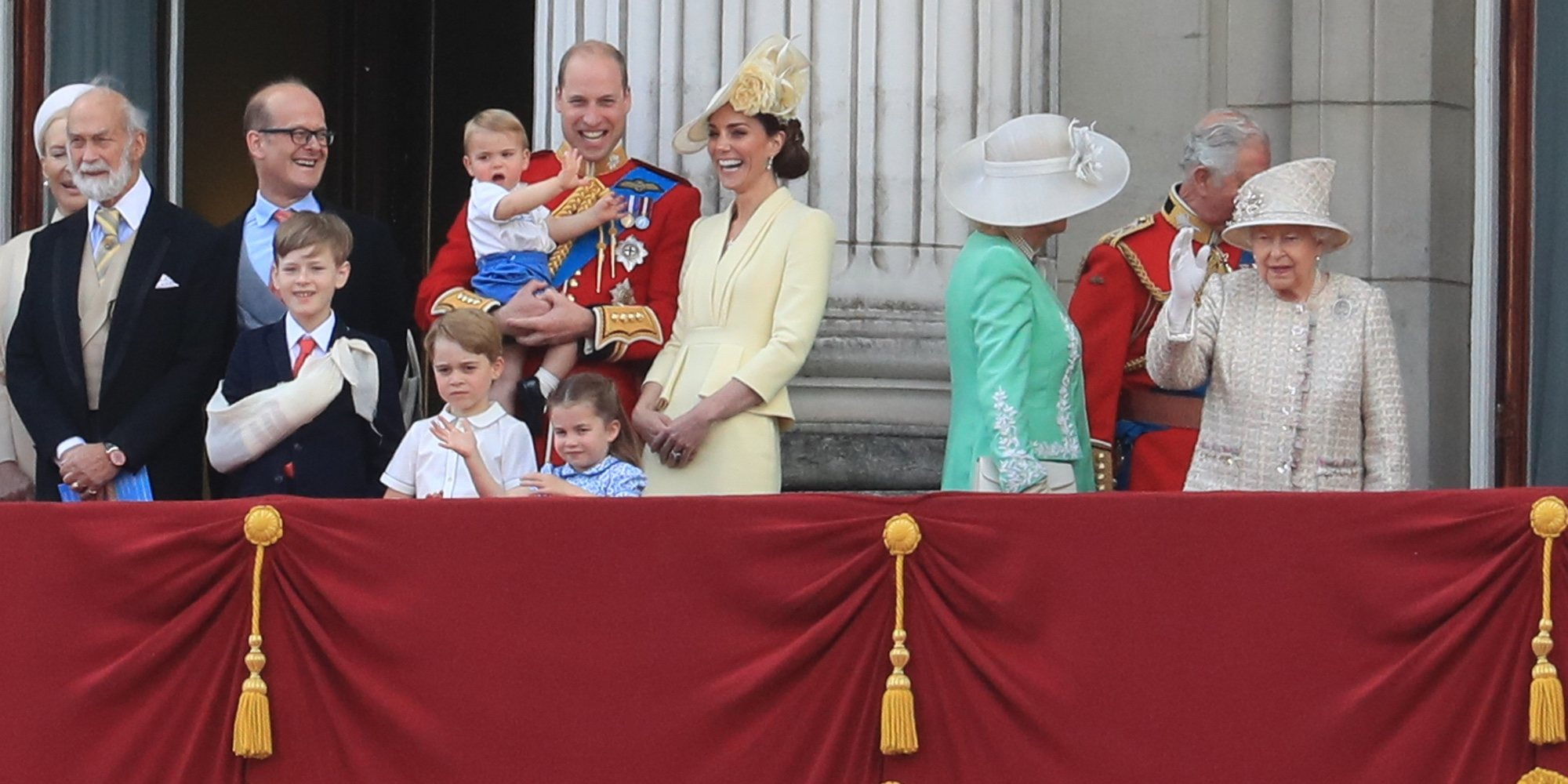 El Príncipe Luis de Cambridge, inquieto y expresivo en su debut en Trooping the Colour 2019