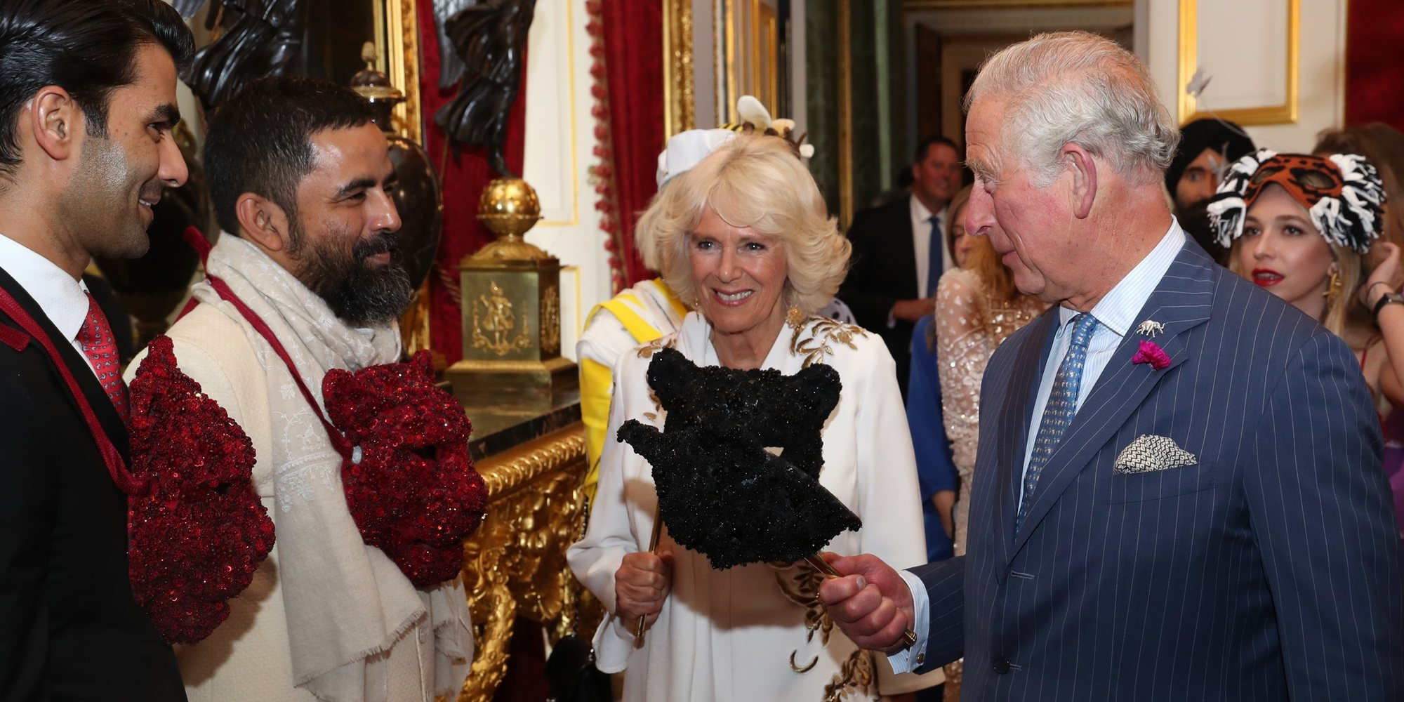 La fiesta de máscaras del Príncipe Carlos y Camilla Parker con la exnovia de James Middleton