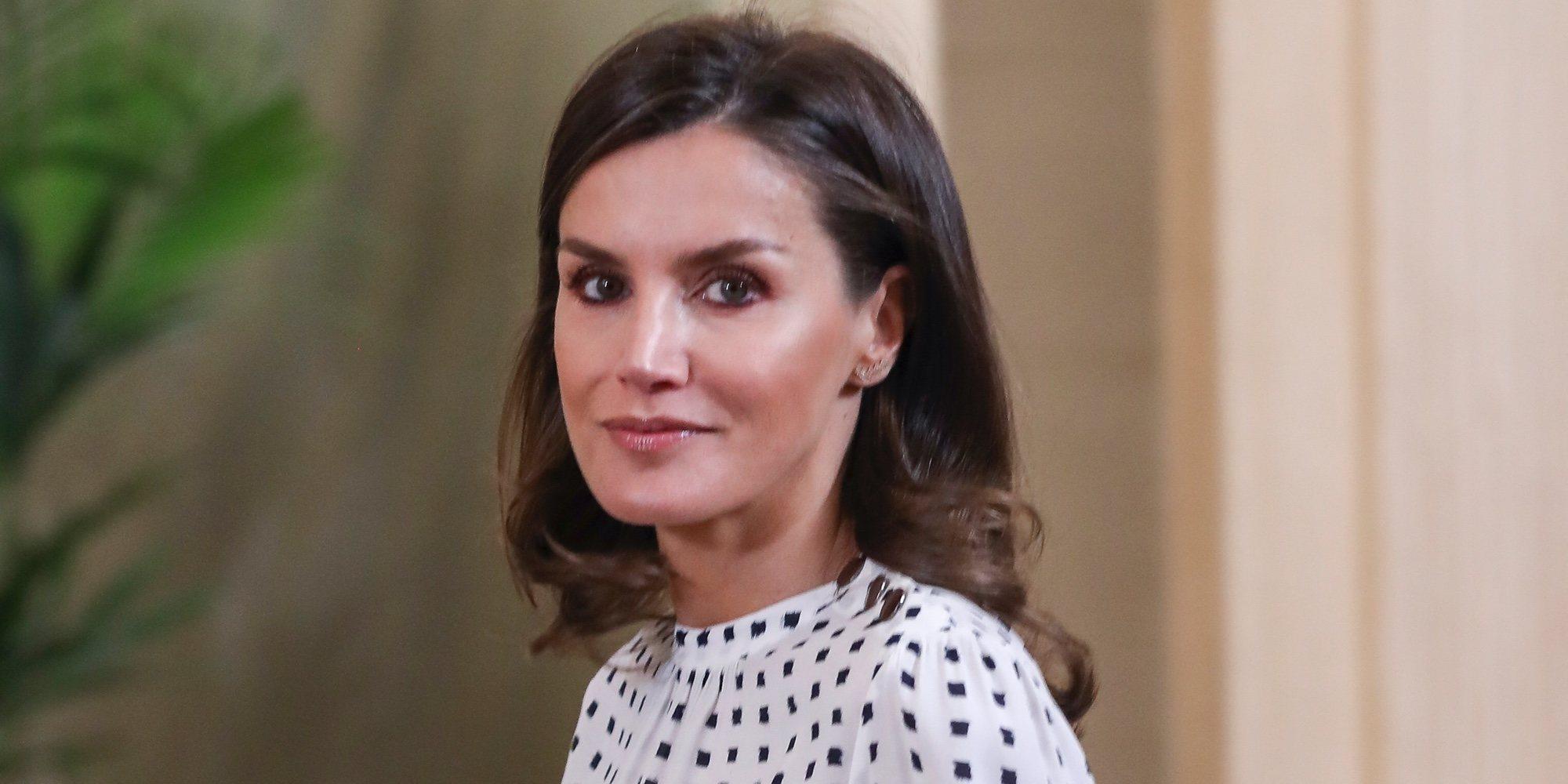 La Reina Letizia, más cariñosa que nunca en una audiencia en el Palacio de la Zarzuela