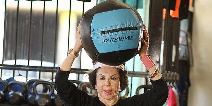 Jacqueline, la madre de Sylvester Stallone, hace crossfit con casi 100 años