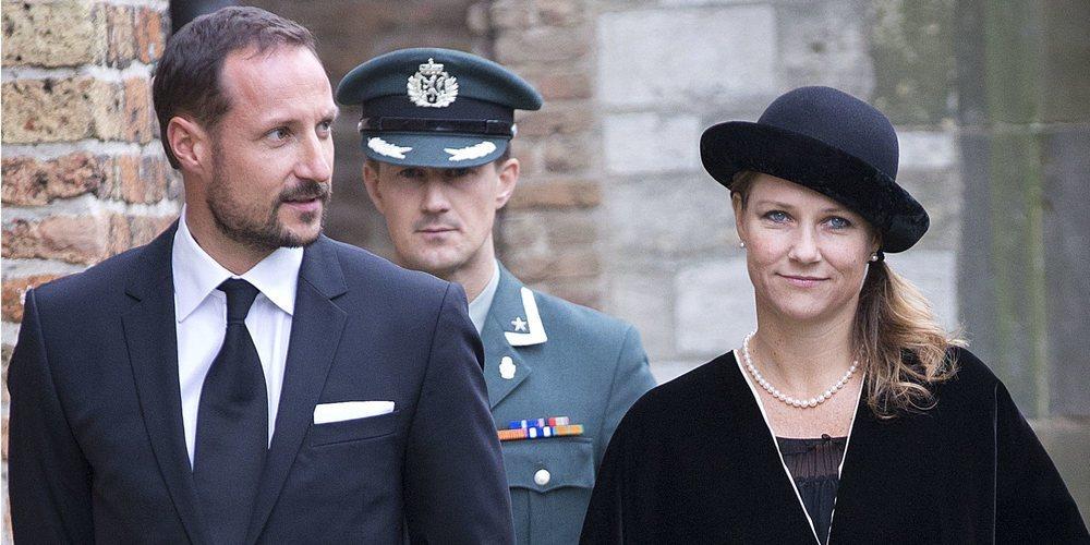 Así son y así se llevan Haakon y Marta Luisa de Noruega: dos hermanos muy polémicos en el amor