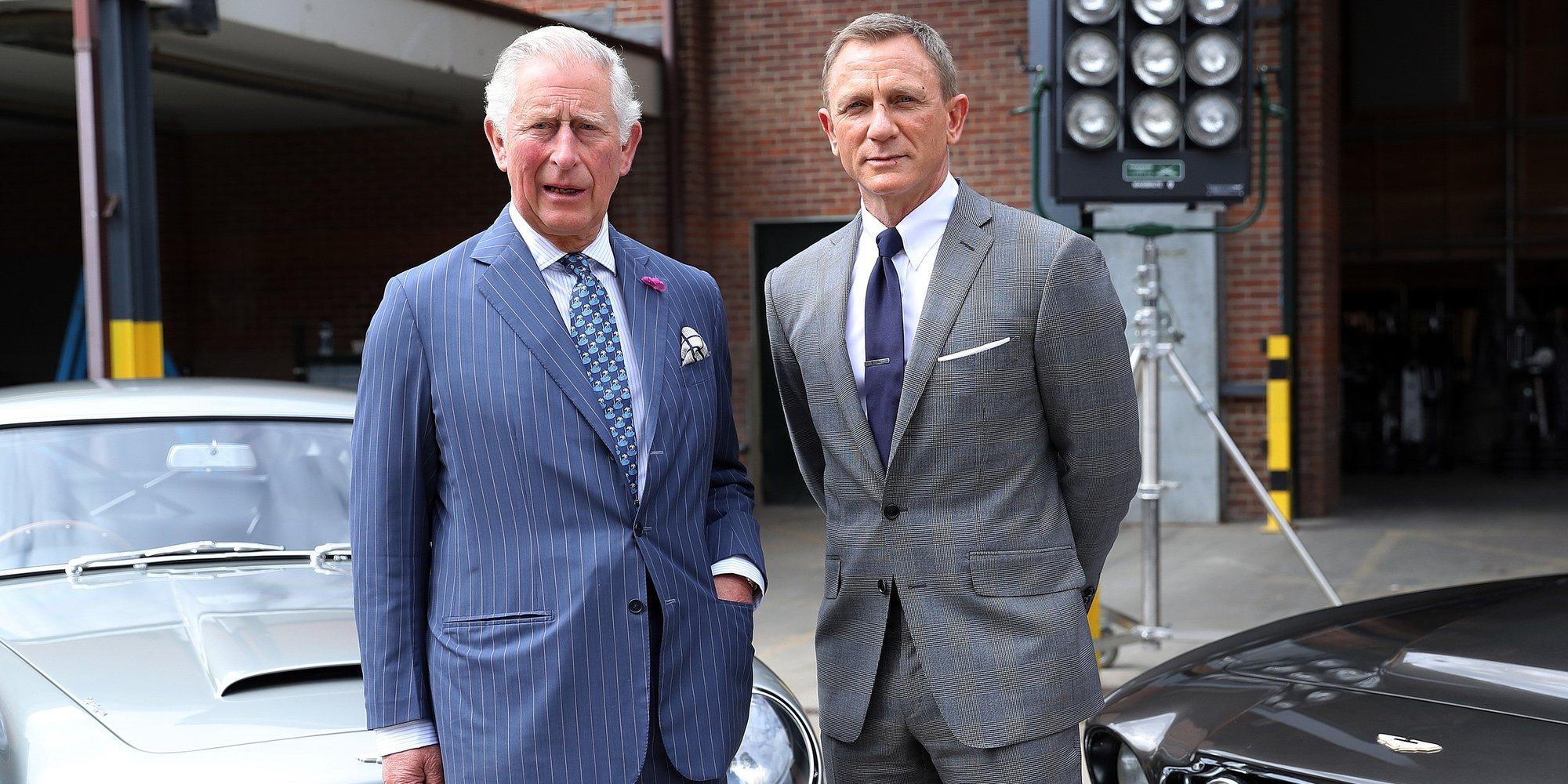 El Príncipe Carlos y Daniel Craig, cara a cara en el set de rodaje de 'James Bond'