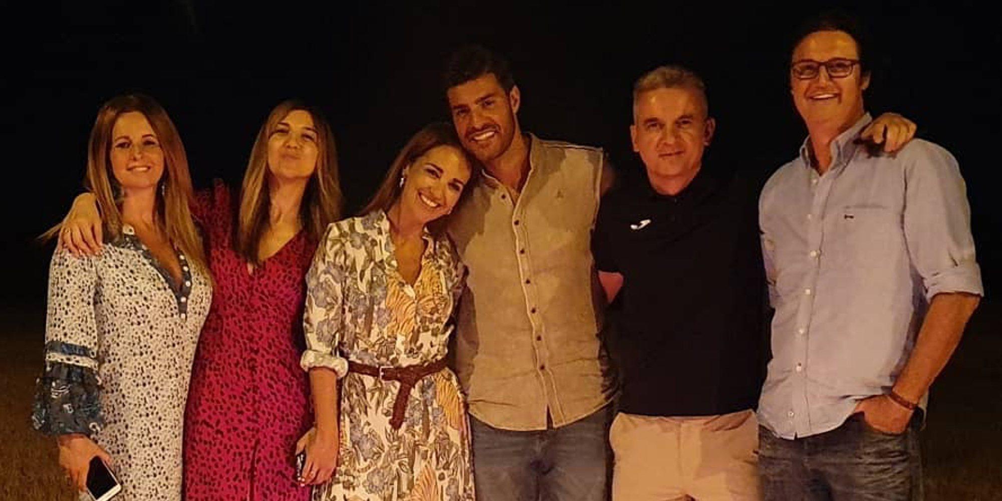Paula Echevarría y Miguel Torres disfrutan de la noche de San Juan con Poty Castillo y otros amigos