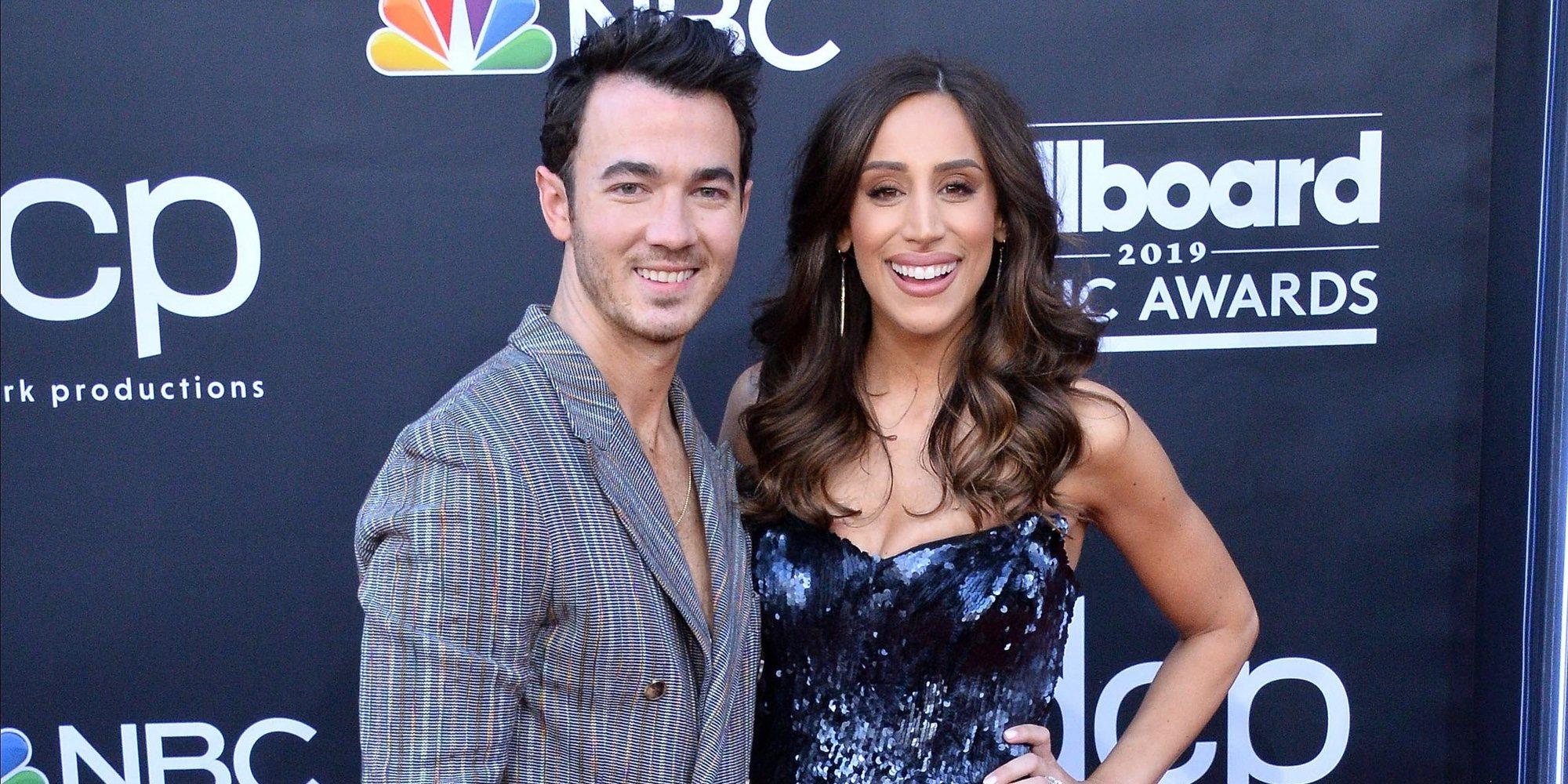 """Kevin Jonas agradece a su esposa Danielle por decir """"Sí"""" en su décimo aniversario de boda"""