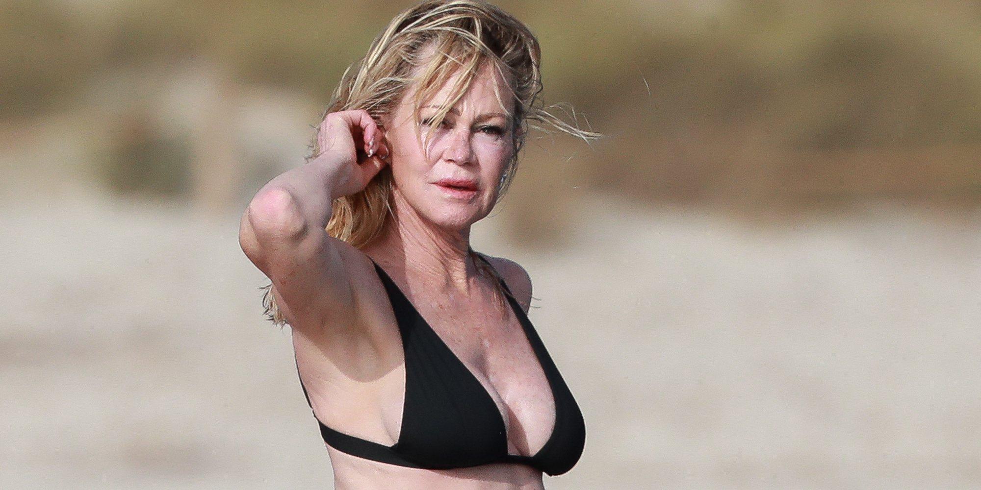 Melanie Griffith luce su espectacular cuerpo tonificado en las costas de Ibiza