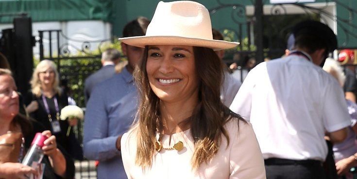 Pippa Middleton, todo sonrisas y glamour con su hermano James Middleton en Wimbledon 2019