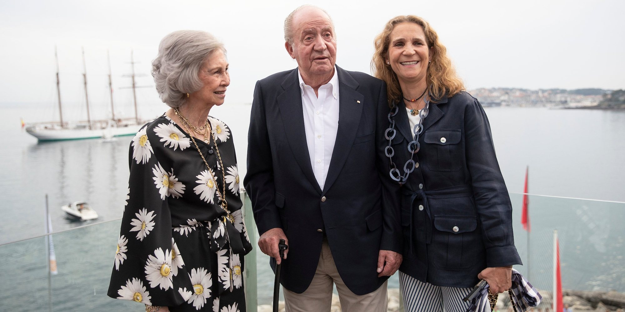 Todo lo que implica el viaje de la Reina Sofía a Sanxenxo con el Rey Juan Carlos y la Infanta Elena