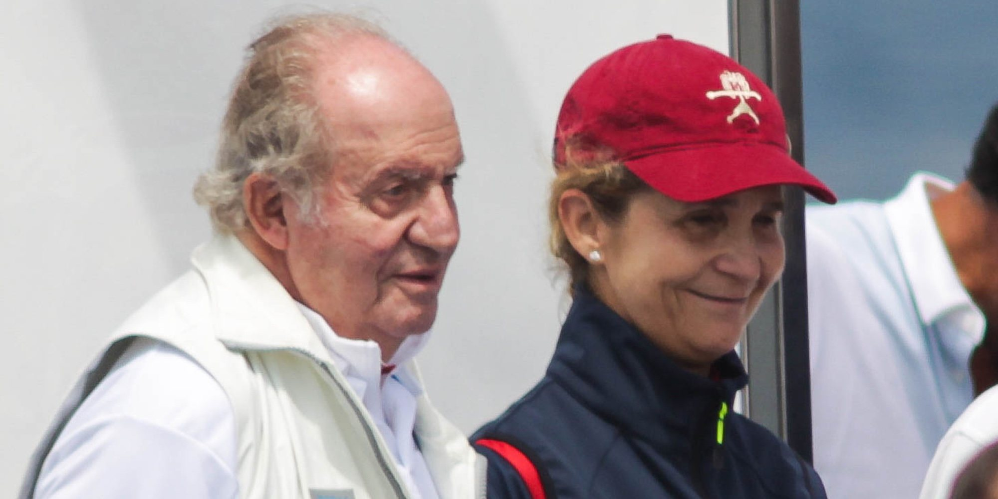 El Rey Juan Carlos gana las regatas de Sanxenxo con el apoyo incondicional de la Infanta Elena