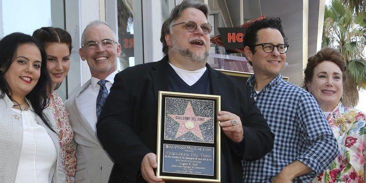 Guillermo del Toro recibe al fin su merecida estrella en el Paseo de la Fama de Hollywood