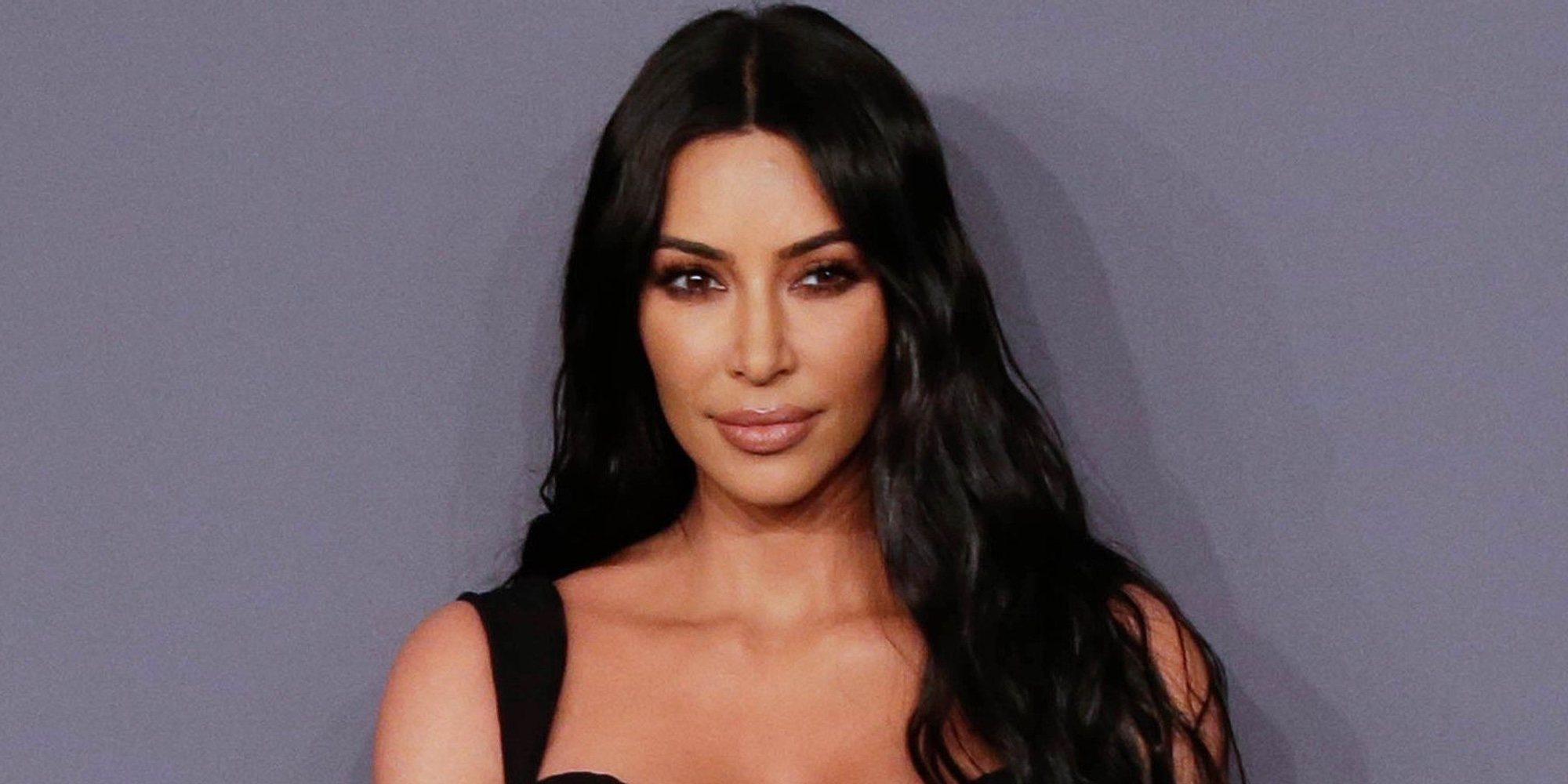 Las Kardashian vuelven a liarla con el Photoshop y ahora Kim Kardashian tiene 6 dedos en un pie