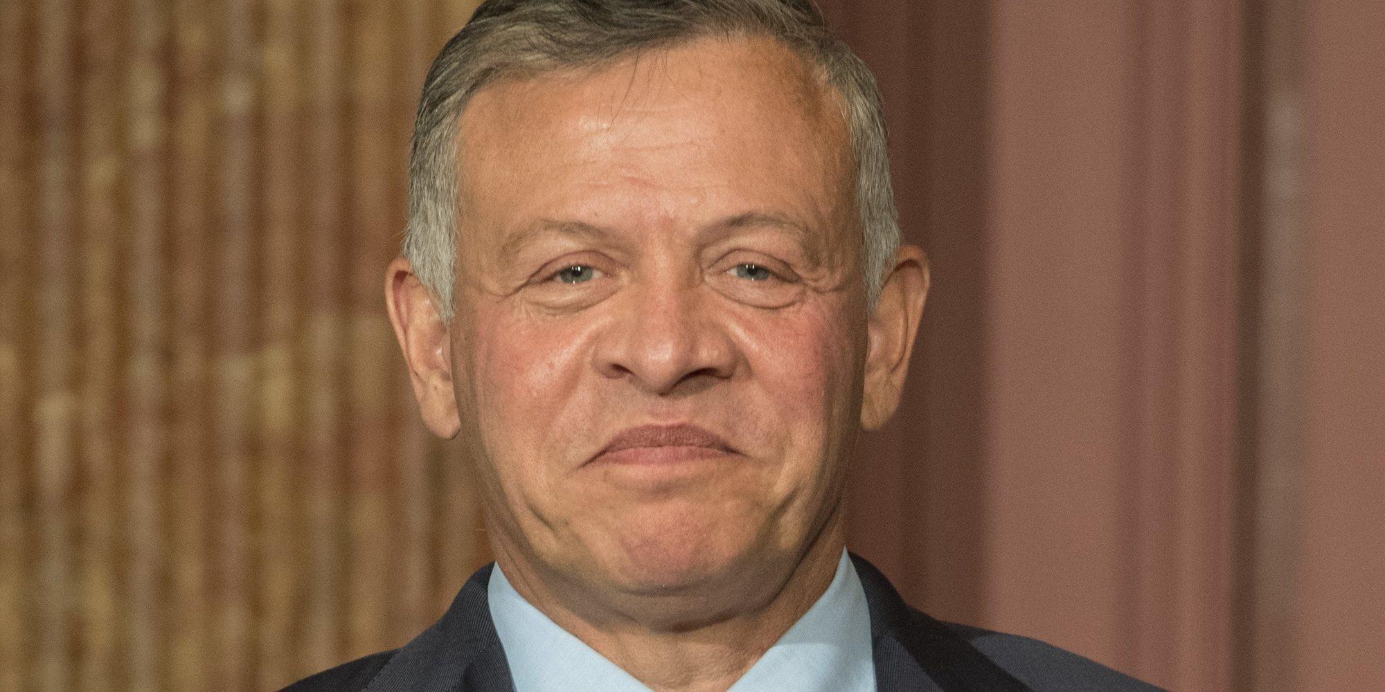El Rey Abdalá de Jordania apoya a su hermana a Haya de Jordania y le otorga un cargo diplomático en la embajada