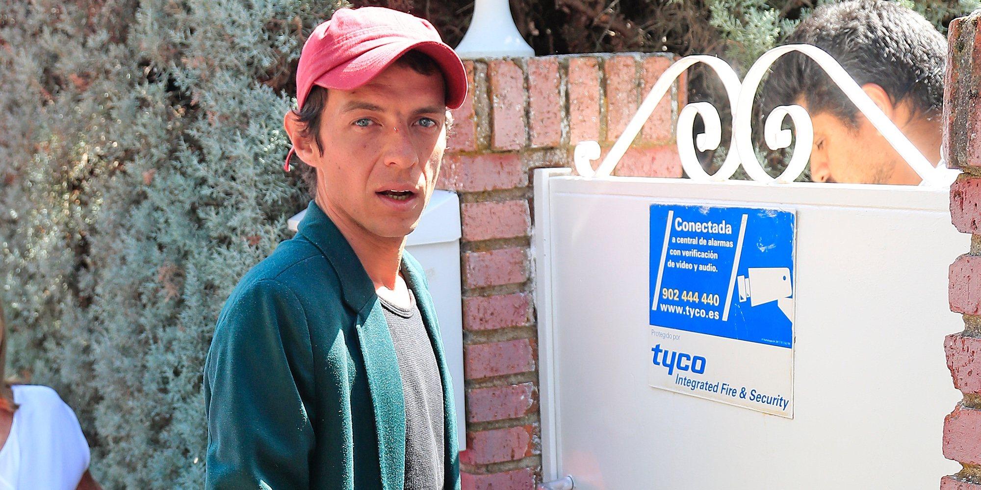 Camilo Blanes se presenta en casa de su padre, Camilo Sesto, como heredero universal