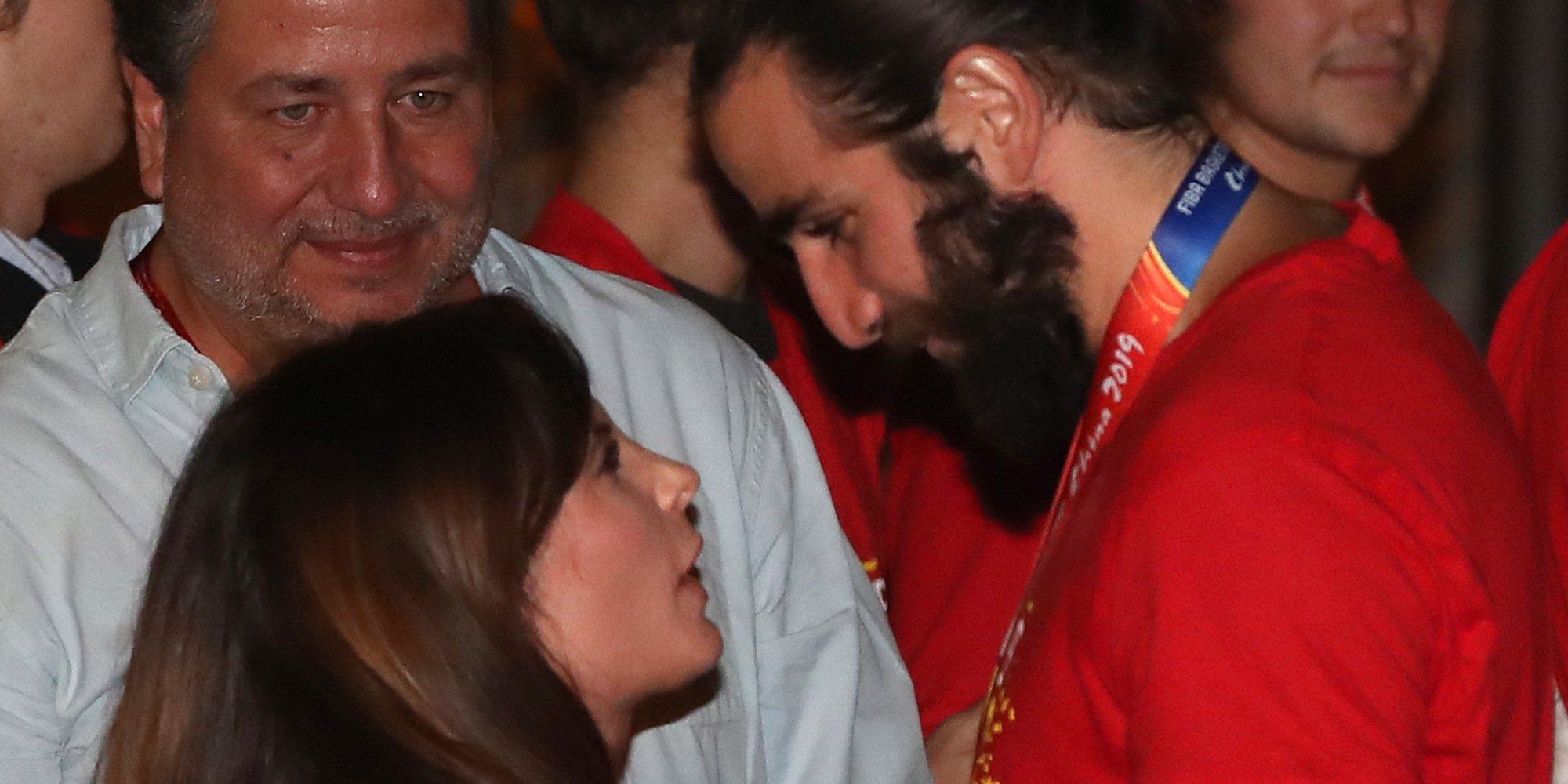 El beso de Ricky Rubio con su novia para celebrar su victoria en el Mundial de baloncesto de China