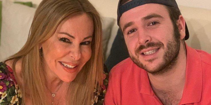 """Ana Obregón acompaña a su hijo Álex Lequio a la tercera sesión de su tratamiento: """"Con una sonrisa"""""""