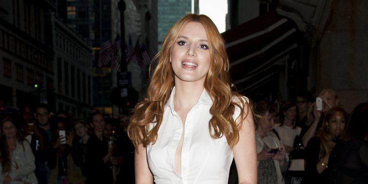 Bella Thorne recibe un premio del cine pornográfico por su película 'Her and Him'