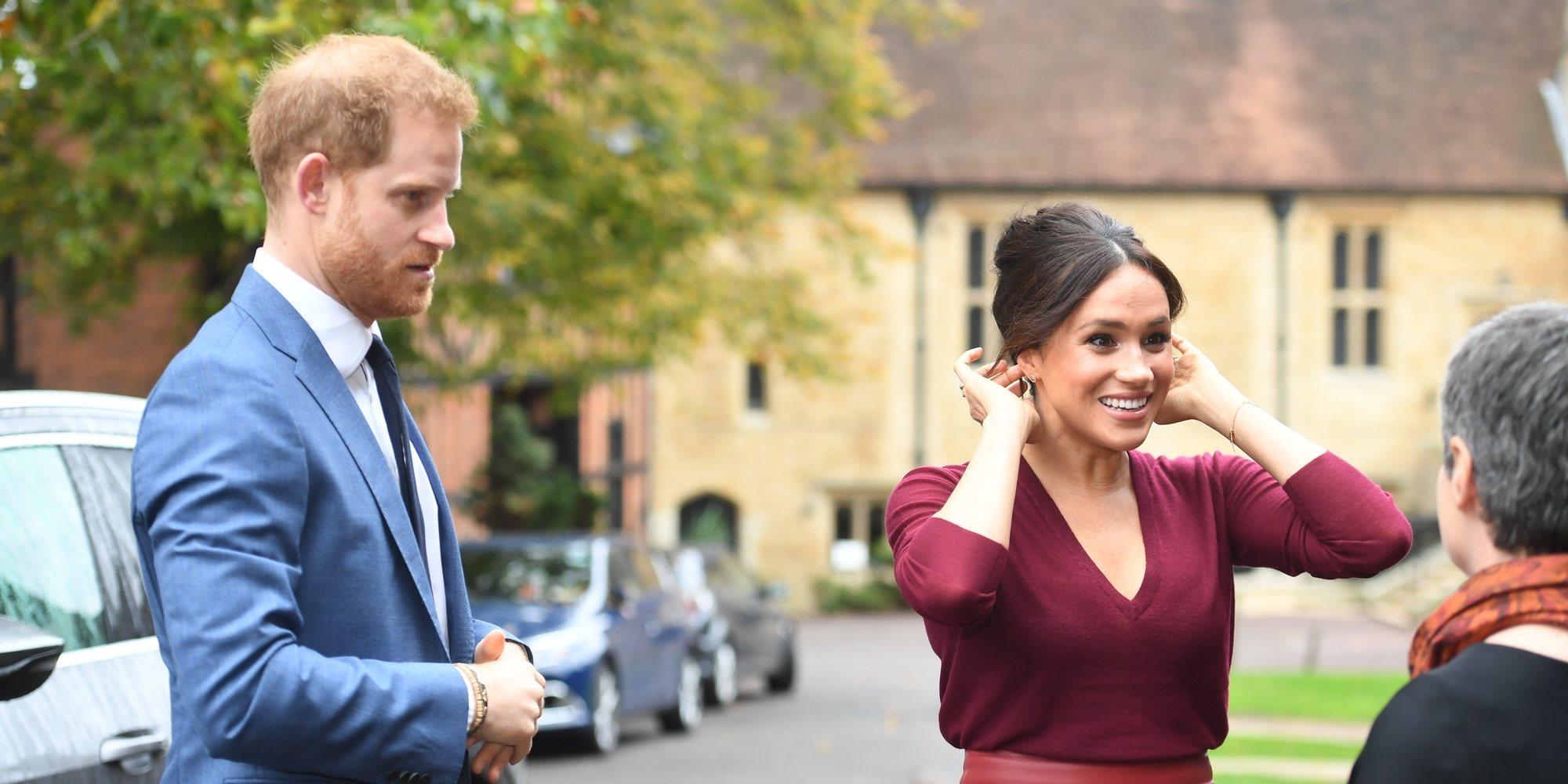 De la sonrisa de Meghan Markle a la tensión del Príncipe Harry en su inesperada aparición pública