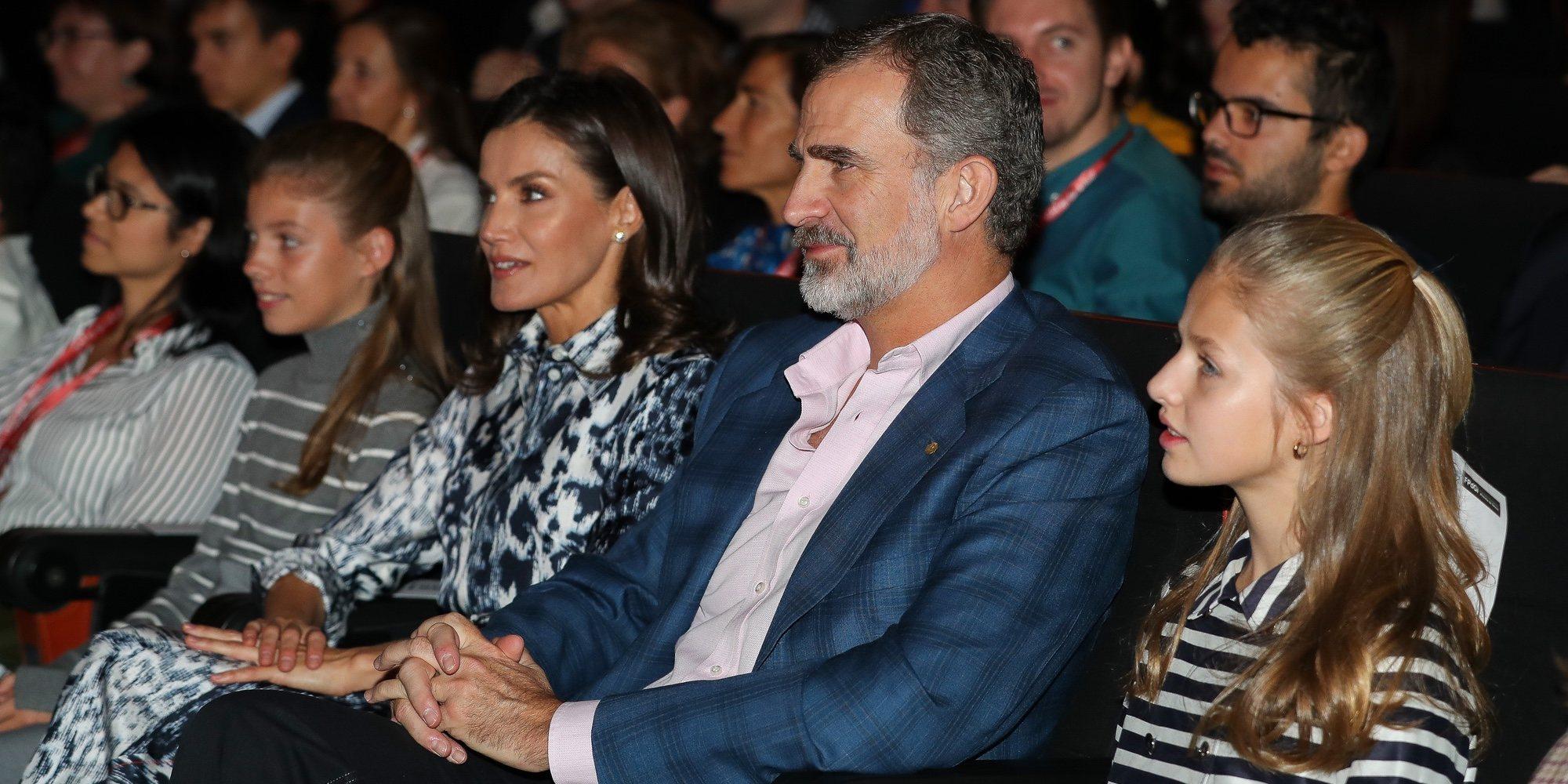 El 'corte' del Rey Felipe a la Reina Letizia al equivocarse en los actos finales de los Premios Princesa de Girona 2019