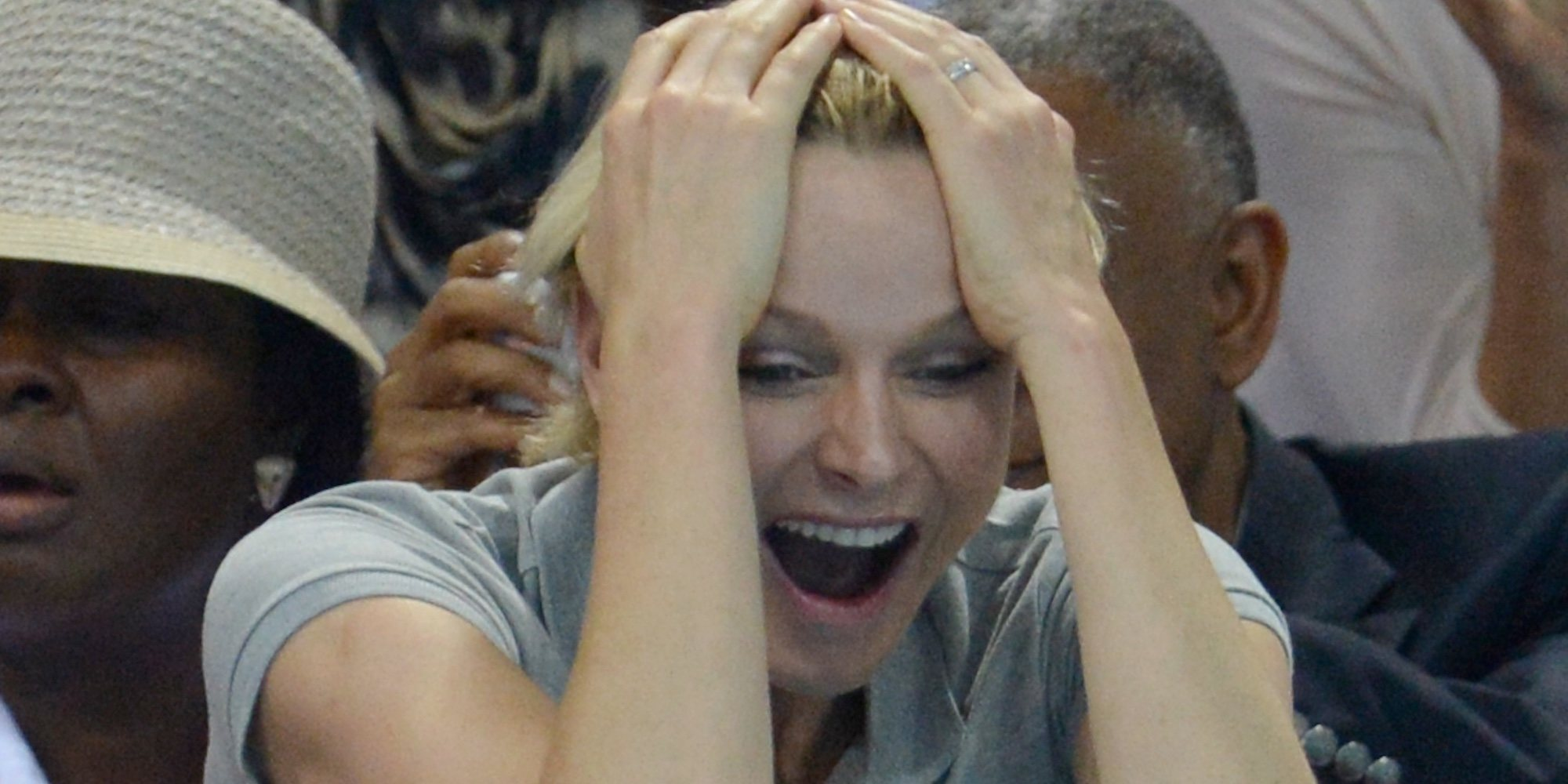Charlene de Mónaco, desatada en un bar monegasco con su hermano Gareth Wittstock