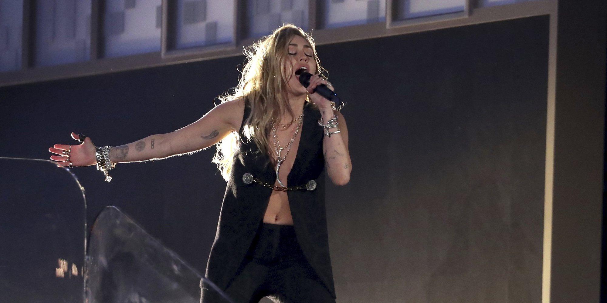 Miley Cyrus tendrá que apartar temporalmente sus proyectos tras ser operada de las cuerdas vocales