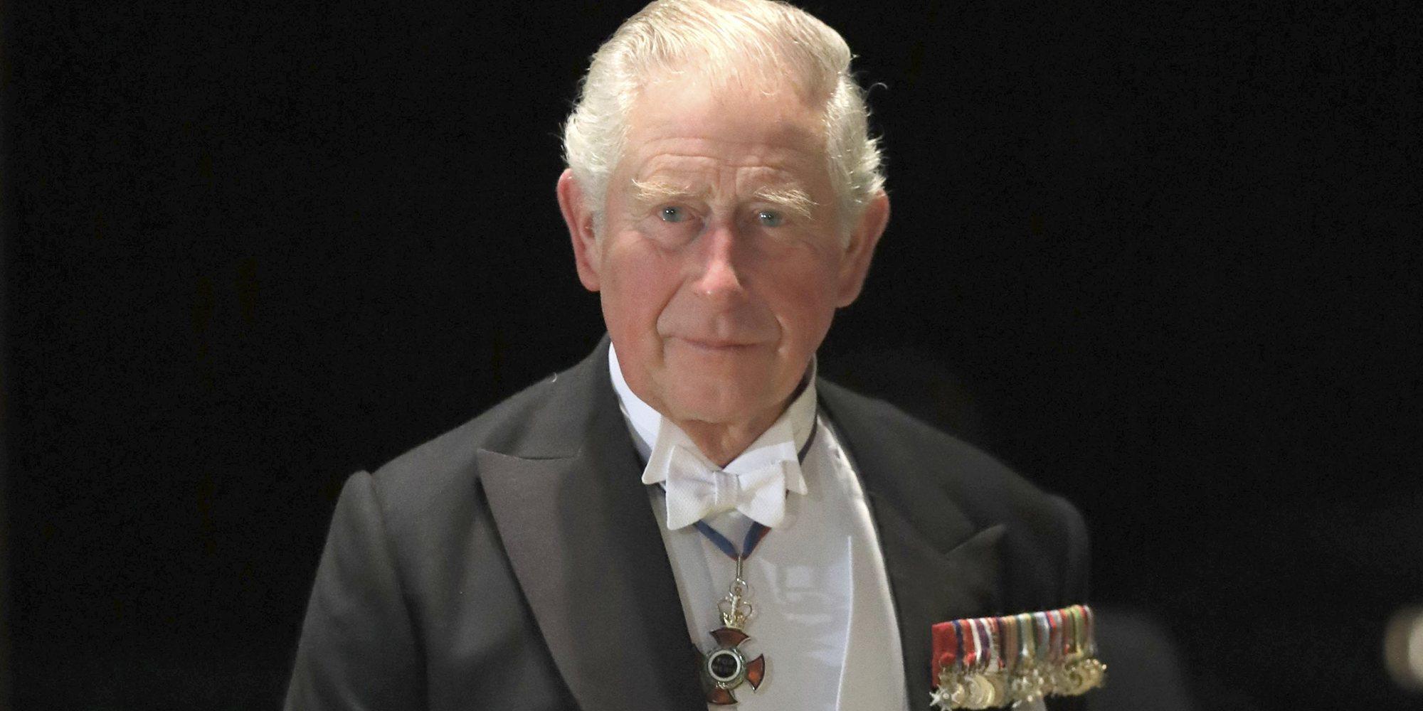 El Príncipe Carlos se reúne con el Duque de Edimburgo para hablar del futuro del Príncipe Andrés