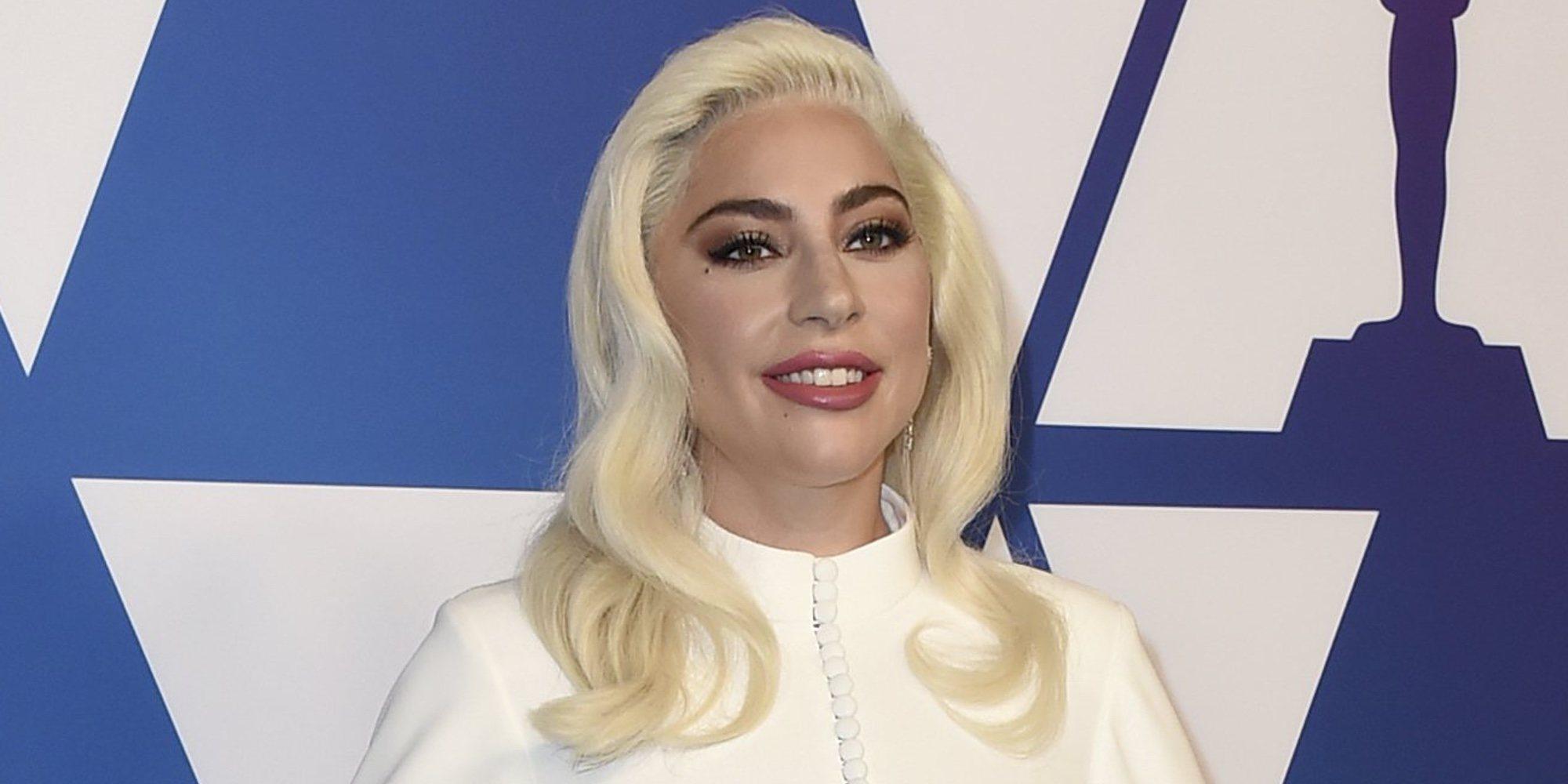 Lady Gaga comienza 2020 besando apasionadamente a un misterioso hombre en Las Vegas