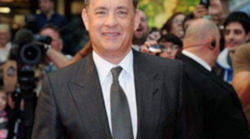 Tom Hanks presenta en Londres 'Larry Crowne' sin su protagonista, Julia Roberts