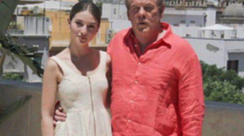 María Valverde presenta en Sevilla 'A puerta fría' junto a Nick Nolte