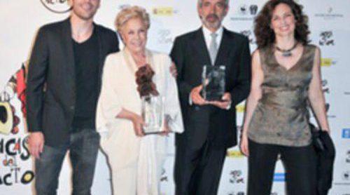 Imanol Arias y Lola Herrera reciben de manos de Miguel Ángel Silvestre el premio de 'La Casa del Actor'