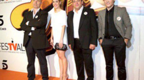 Antonio Resines, Alexandra Jiménez y Adam Jezierski estrenan 'Cheers' en el FesTVal de Vitoria
