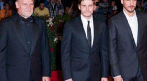 Lluís Homar, Daniel Brühl y Alberto Ammann ponen el toque español a la Mostra de Venecia con 'Eva'