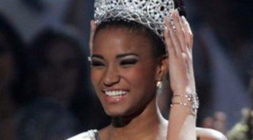 Leila Lopes, representante de Angola, sucede a Jimena Navarrete como Miss Universo 2011