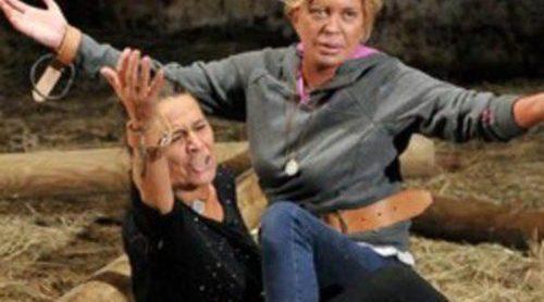 Arranca 'Acorralados' con una gran bronca entre Mari Ángeles Delgado y Bárbara Rey