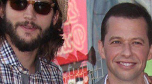 Jon Cryer, de 'Dos hombres y medio', recibe su estrella en el Paseo de la Fama junto a Ashton Kutcher