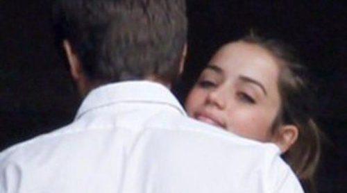 Ana de Armas y Marc Clotet: besos y abrazos en el Festival de San Sebastián
