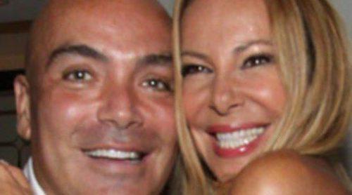 Ana Obregón, Colate y Nacho Polo apoyan a Kike Sarasola en la inauguración de un hotel en Miami