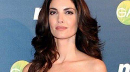 Hiba Abouk, Carolina Bang y Eugenia Silva deslumbran en los premios 'Cuida de ti'