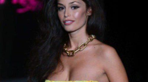 Raffaella Fico, ex de Mario Balotelli, presume de embarazo en la Semana de la Moda de Milán