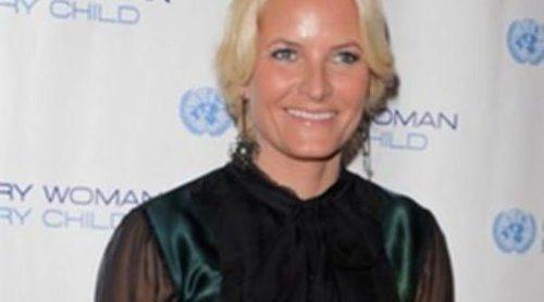 Mette-Marit de Noruega comparte agenda solidaria con Lily Cole y Christy Turlington en Nueva York