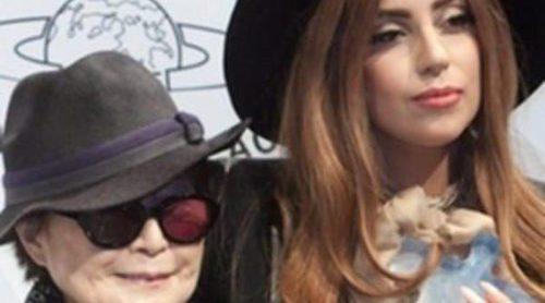 Lady Gaga, las Pussy Riot y John Perkins reciben el Premio de la Paz Lennon-Ono 2012