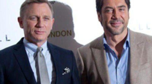 Javier Bardem, muy divertido en la presentación en Londres de 'Skyfall' junto a Daniel Craig