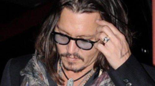 Liz Hurley, Johnny Depp y Chris Brown acuden a la celebración del 50 cumpleaños de David Furnish