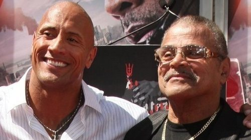 Muere Rocky Johnson, padre del actor Dwayne Johnson ('The Rock')