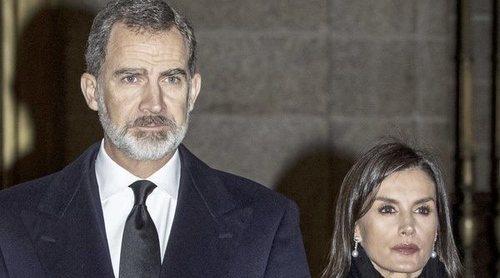 El incómodo momento de los Reyes Felipe y Letizia al cruzarse con la Infanta Cristina en el funeral de la Infanta Pilar