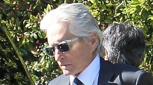Michael Douglas y Catherine Zeta-Jones acuden al funeral de Kirk Douglas en Los Ángeles