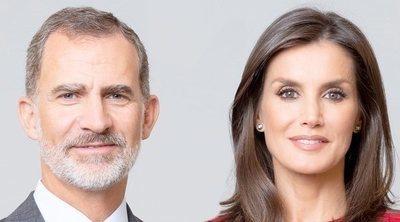 Lo que la Familia Real dice con los retratos oficiales de los Reyes Felipe y Letizia y sus hijas Leonor y Sofía