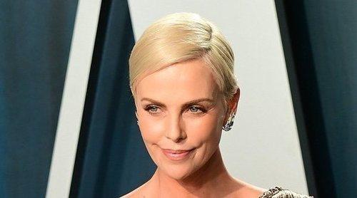 Charlize Theron comparte el selfie en los Premios Oscar 2020 rodeada de celebrities