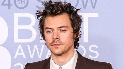 El homenaje de Harry Styles a la fallecida Caroline Flack en la alfombra roja de los Brit Awards 2020