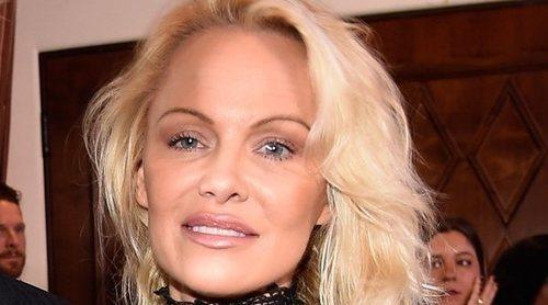 El exmarido de Pamela Anderson se compromete 3 semanas después de divorciarse de la actriz