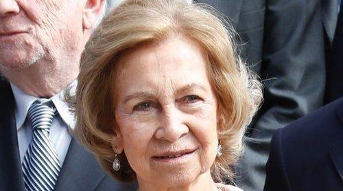 La Reina Sofía muestra su importancia en la Casa Real mientras el Rey Juan Carlos se resiste a desaparecer